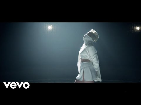 Betty Who - Ignore Me (Official Video)
